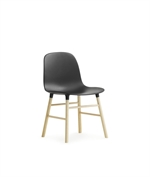 390002 Form miniature chair black fra Normann Copenhagen - Fransenhome